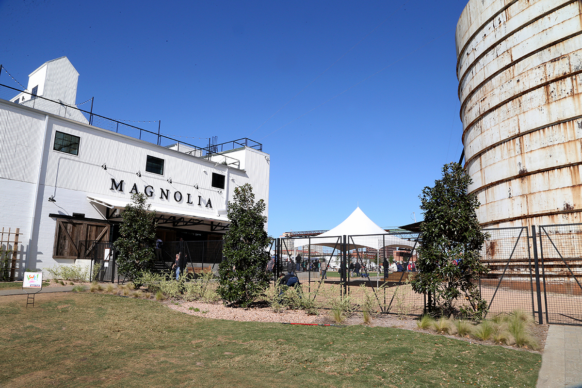 Waco texas mud and magnolias for Magnolia farms waco tx